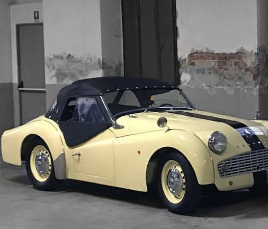 Triumph Garage 2 BN